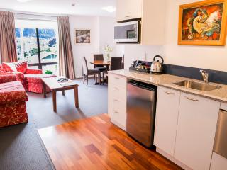 The Glebe Queenstown - 1 BR Apartment - 2