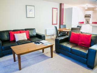 The Glebe Queenstown - Disabled Access Apartment