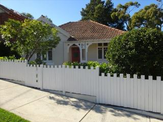 CAMM3 - Great renovated 3 bedroom home in Cammeray