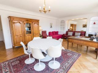 Superbe Appartement proche de la Tour eiffel, Parijs