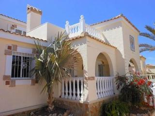 (483) Casa Thomas 3 bed villa private pool air-con Wi-Fi near all amenities