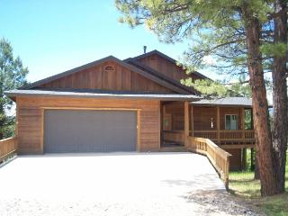 Glenwood is a relaxing vacation home located in the Twin Creeks area in Pagosa S