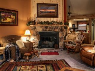 Book this cozy condo, centrally located in the Pagosa Lakes Area, and cherish a relaxing, memorable vacation with your family and friends., Pagosa Springs