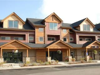 Relax and enjoy this vacation Townhome located in Pagosa Springs.