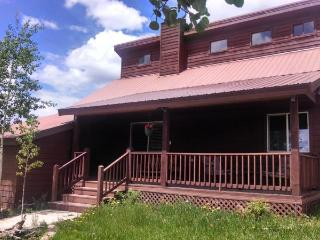 Experience a wonderful Pagosa Springs vacation in this inviting, pet friendly home.