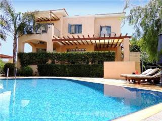 Luxury villa in Latchi