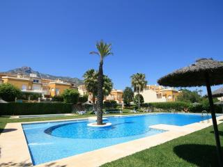 1743 - 4 bed townhouse, Los Nagueles, Marbella