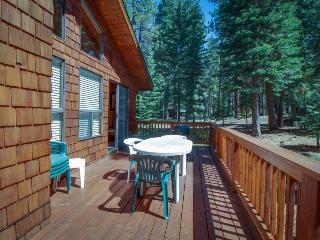 Remodeled home w/ a private hot tub, shared pools & a free shuttle to skiing!