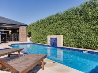 Stylish Pool Retreat, Rosebud