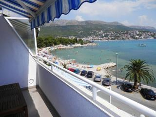 Sunny apartment 10 m from the sea!!, Stobrec
