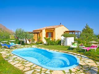 Villa Gauci, Santa Caterina Villarmosa