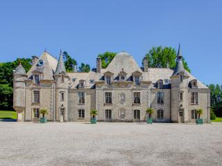 8 bedroom Chateau with Pool and WiFi - 5049730
