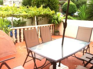 Casa Pontevedra bellas vistas,con jardín y asador, Bueu