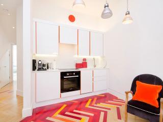 Sleek 1 Bedroom Apartment in Notting Hill, London