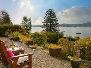 Ardmun House, stunning sea views from sun lounge, private enclosed garden.