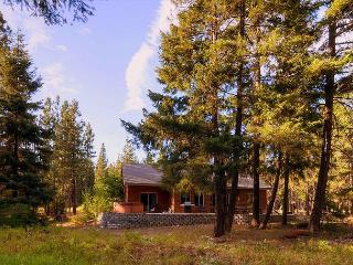 Private 3BD Home Slps8 |Hot Tub, WiFi, Game Room| Pool Access, Save In Sept!!, Cle Elum