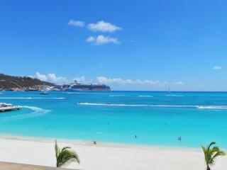 OCEAN'S F3... very rare beachfront location on Great Bay in the heart of St Maarten!, Philipsburg