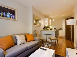 Relaxing Home on Lovat Lane, Londres