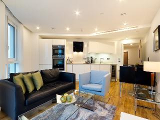 Sleek 1 Bedroom Home Perfectly Located in Zone 1, Londres