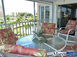 Inviting condo w/ heated pool & short walk to South Beach, Marco Island