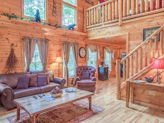 Perfectly Located 2BR Gatlinburg Cabin w/ Hot Tub & More! Summer from $139!!!, Sevierville