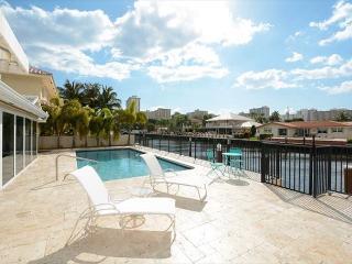 Modern Stylish Waterfront Vacation Villa, Fort Lauderdale