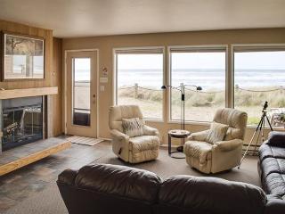 Ocean Views from a Luxury Perch!, Neskowin