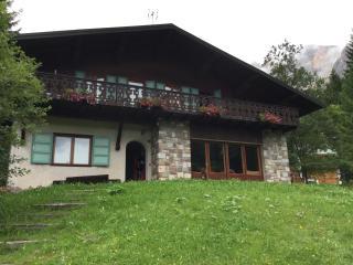 Appartamento panoramico, grande balcone e garage, San Martino di Castrozza
