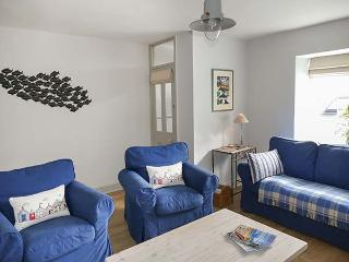 GWYLFA, lovely cottage near beach, garden, en-suite, WiFi, Llanbedrog, Ref 927423, Pwllheli