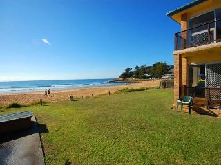 SOUTH STRAND 1 - Beachfront, Avoca Beach