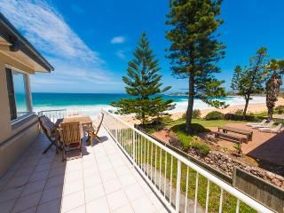 MAJESTIC VIEWS Beachfront, Wamberal