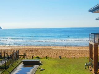 ABSOLUTE BEACHFRONT - VIEWS, Avoca Beach