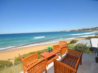 KRYSTAL WATERS - Beachfront, Terrigal