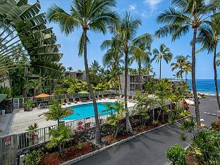 Alii Villas 221 Gorgeous 2nd flr condo with Ocean View, Wifi, & Close to Pool, Kailua-Kona