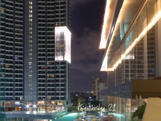 Knightsbridge Makati 1-BR with free Parking