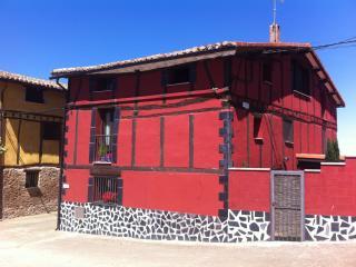Twin bedroom on the Camino de Santiago, Viloria de Rioja