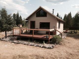 Charming cabin near Glacier Park, Polebridge