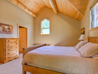 Master bedroom with slate tile ensuite