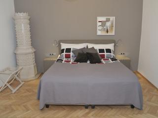 CITYdeLIGHTS: Luxury stay next to the city hall, Graz