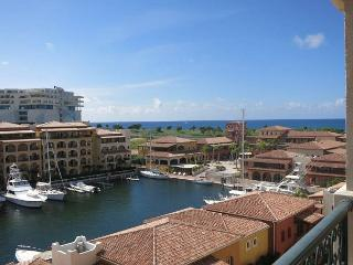 NEW! Affordable PENTHOUSE w/ Private Pool, Cupecoy Bay