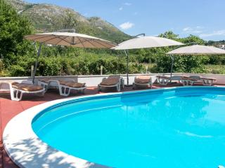 One Bedroom Apartment with Pool (Apt No. 3), Cavtat