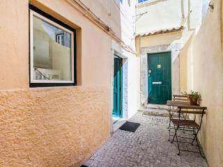 Loios A, ideally located 1 bdr apartment in Alfama, Lisbona