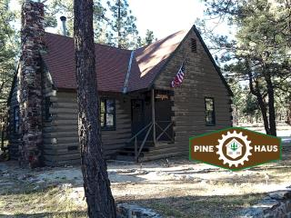 Pine Haus, Big Bear City