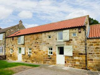 THE BARN, WiFi, en-suites throughout, open plan living, near Staithes, Ref
