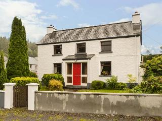 DALY'S FARMHOUSE, detached, open fire, gardens, two sitting rooms, in Keadue, Ref 927878
