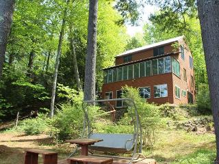 Pet-Friendly Waterfront Home on Lake Waukewan (REU96W), New Hampton