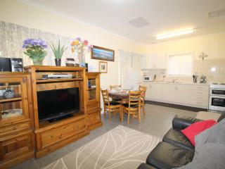 Riverview Cottage Port Noarlunga (migrant or hols), Adelaida
