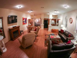 Escape Spa Suite in Downtown Kernville