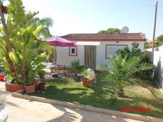 Bonita casita con jardin, piscina y barbacoa, Alhaurín de la Torre