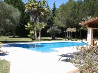Finca muy tranquila con piscina privada.